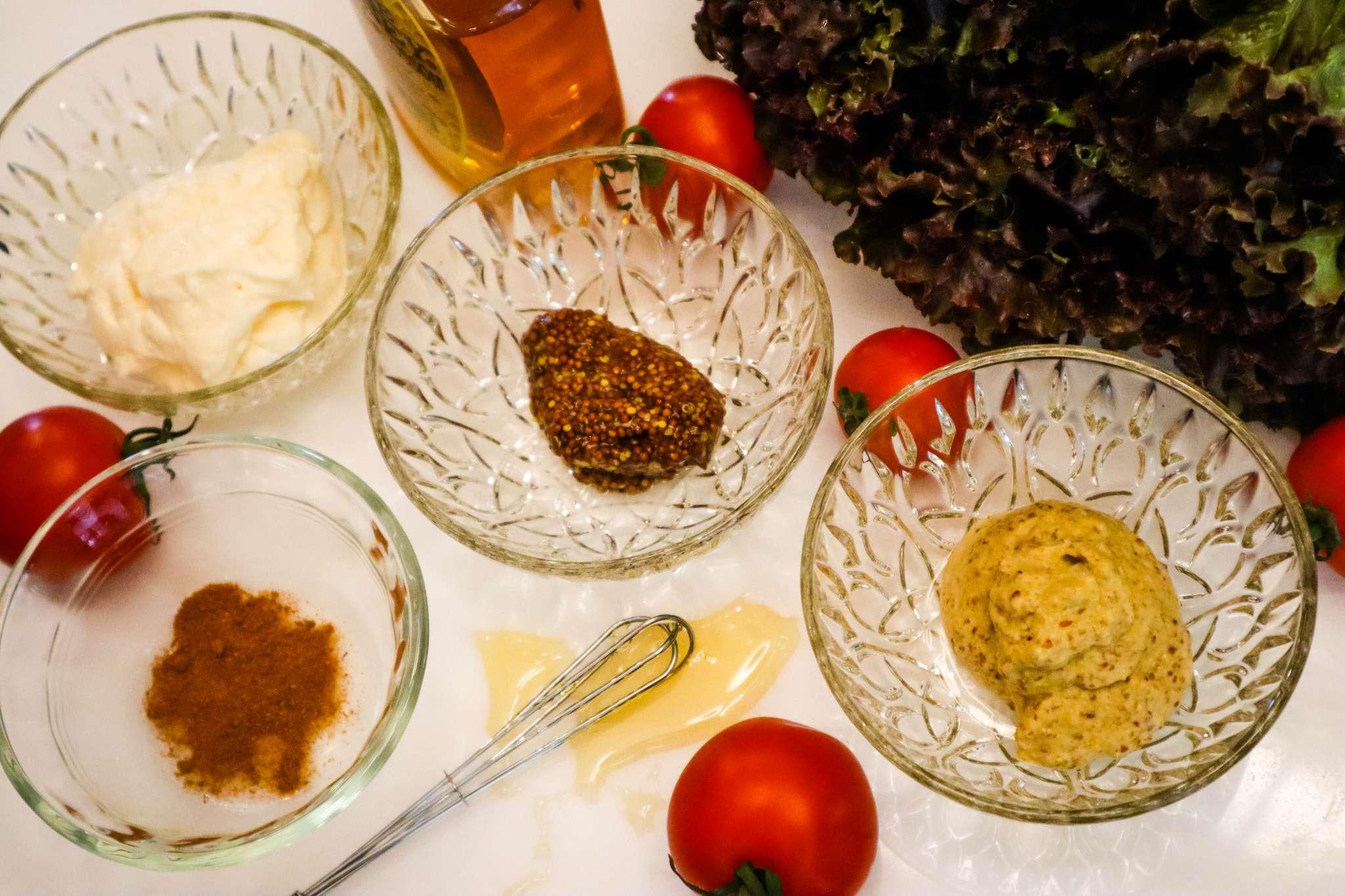 ingredients for five ingredient honey mustamaise