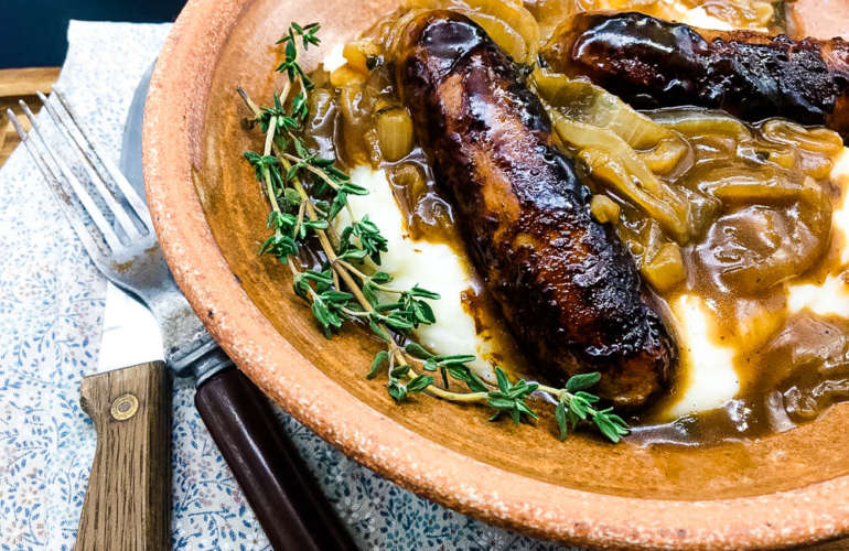 Bangers & Mash With Guinness Gravy