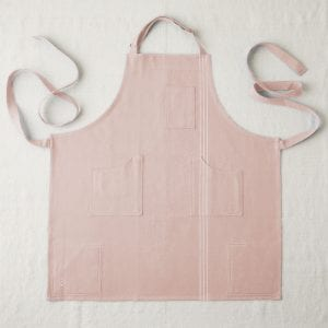 apron in pink