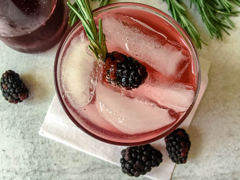 A blackberry cocktail with Vodka and Berries