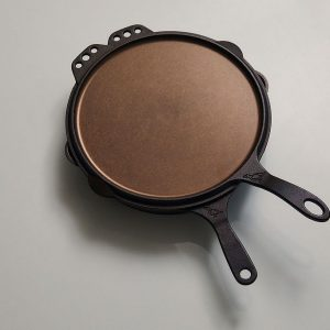 2 cast iron piece set