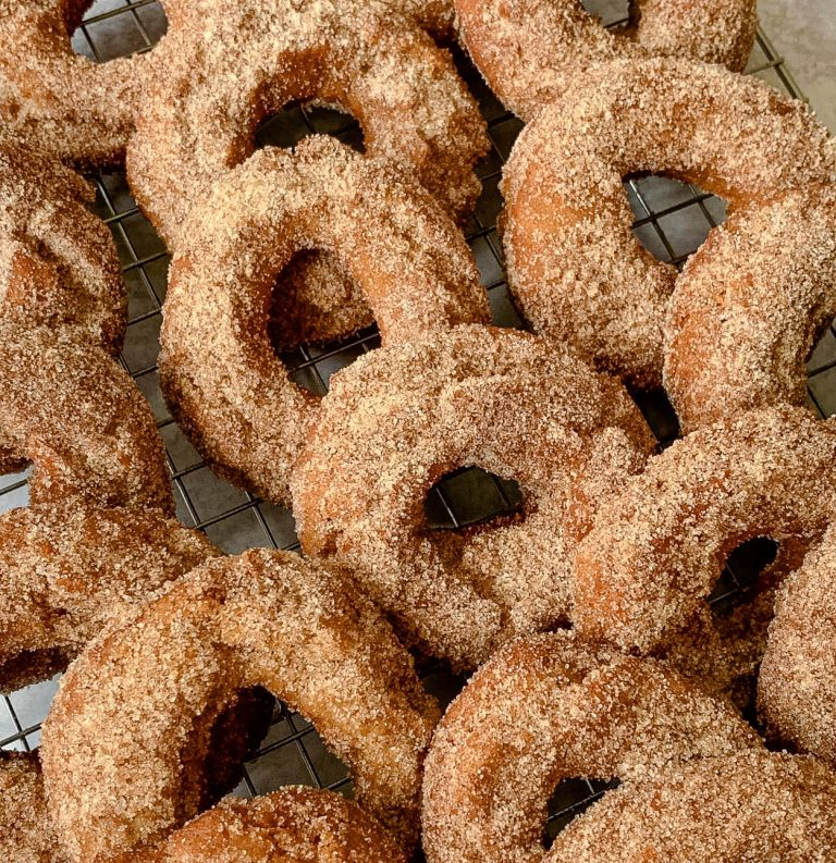 bunch of best cider doughnuts