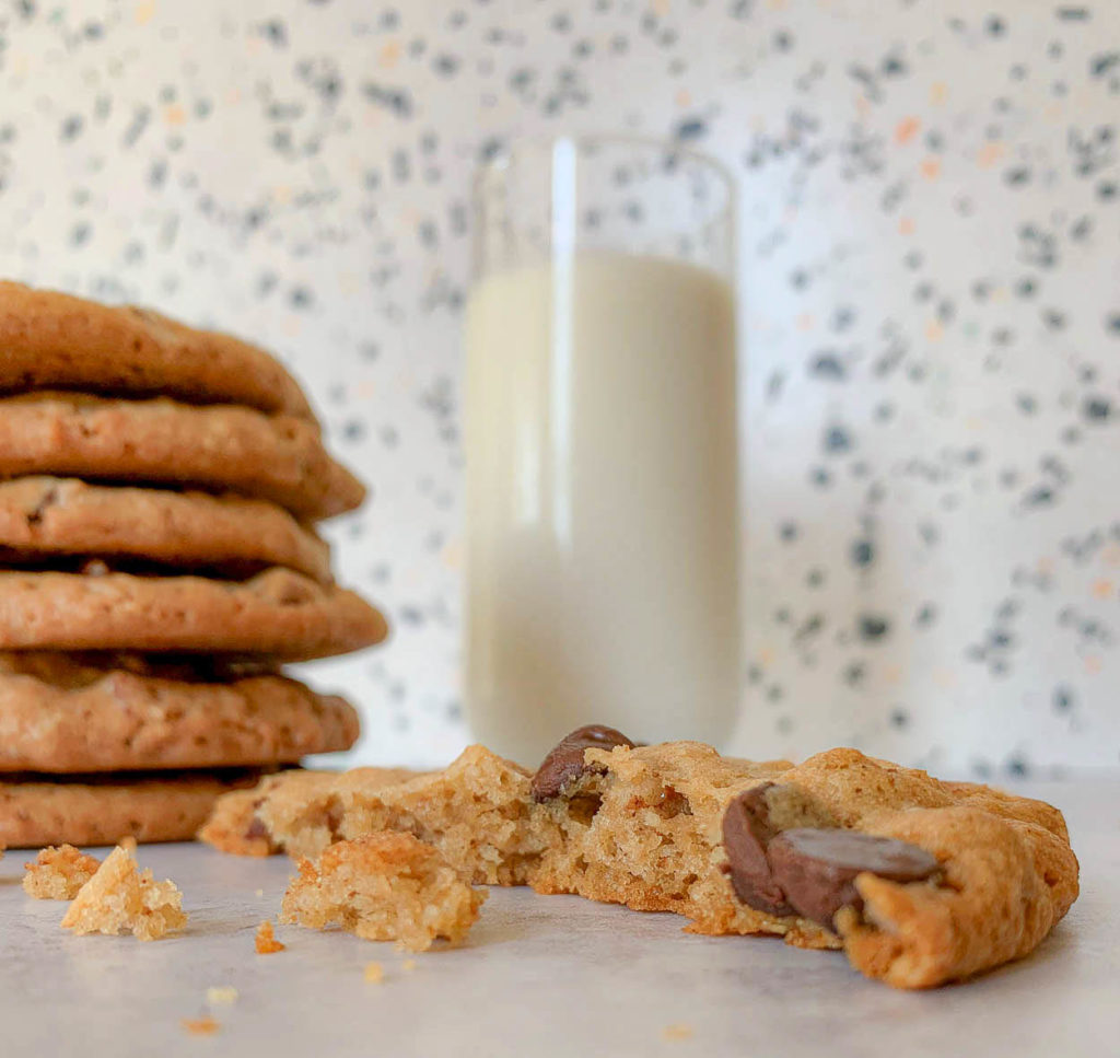 Pinterest pin image for DoubleTree Chocolate Chip Cookies