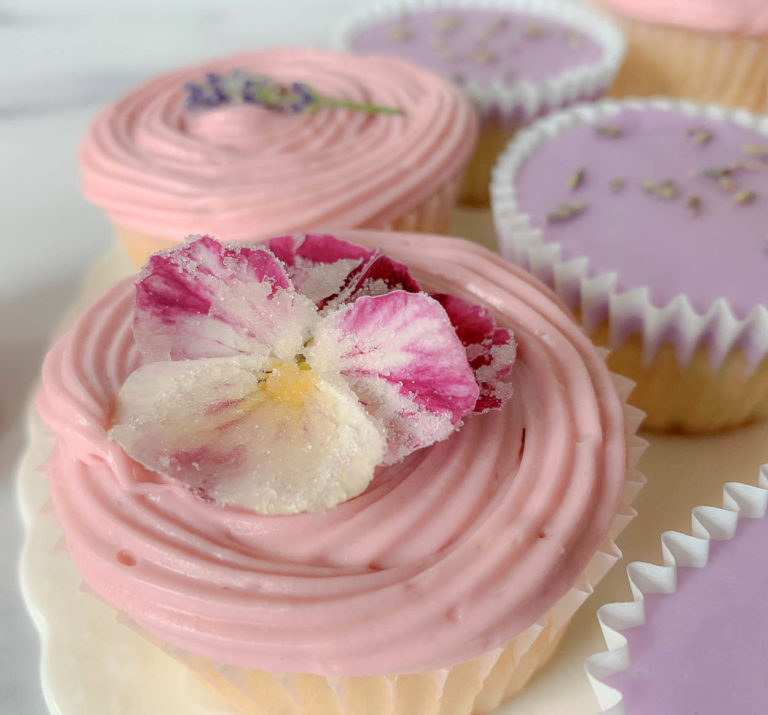 cupcake, with pink flower